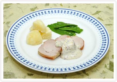 豚肉の鍋焼き マスタードソースかけ