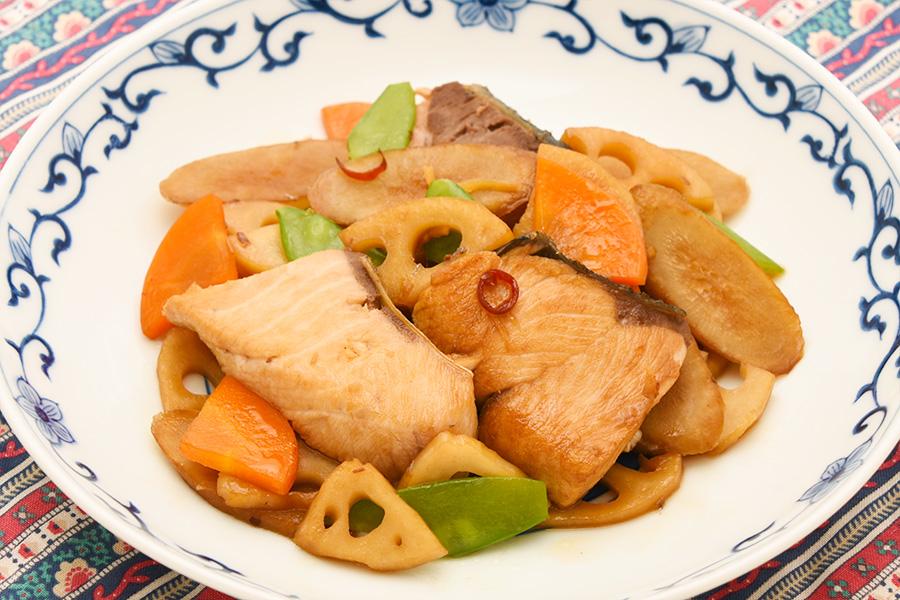 ぶりと根菜の辛味炒め