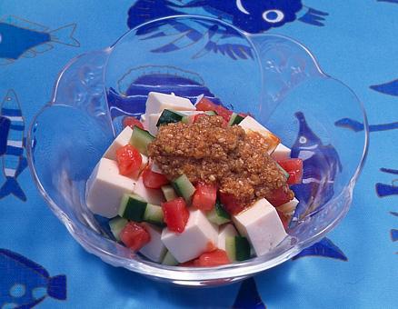 豆腐のサラダ・ごまだれかけ