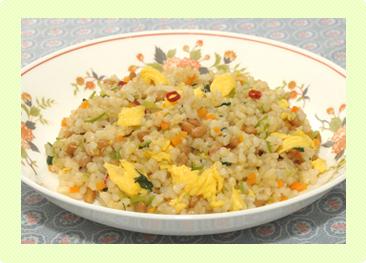 玄米ごはんの納豆チャーハン