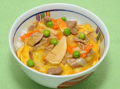 中華風豚玉丼
