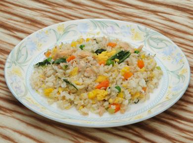 鮭と青梗菜のチャーハン
